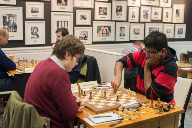 GM Priyadharshan playing against GM Sam Sevian in St.Louis Chess Club