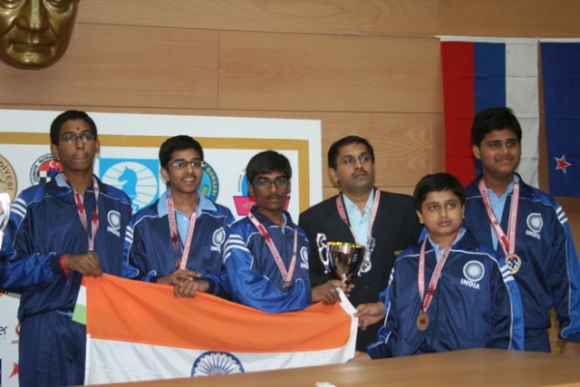 2009 Indian team winning the silver medal in World Sub-Junior Chess Olympiad.